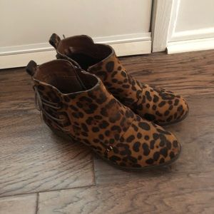 Leopard print booties, Size 8
